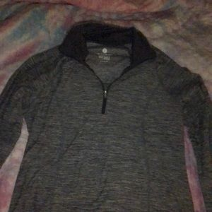 Old Navy Active Semi-Fitted Long-Sleeve